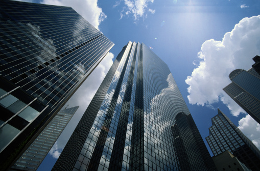 Film de protection solaire teinté pour bâtiment